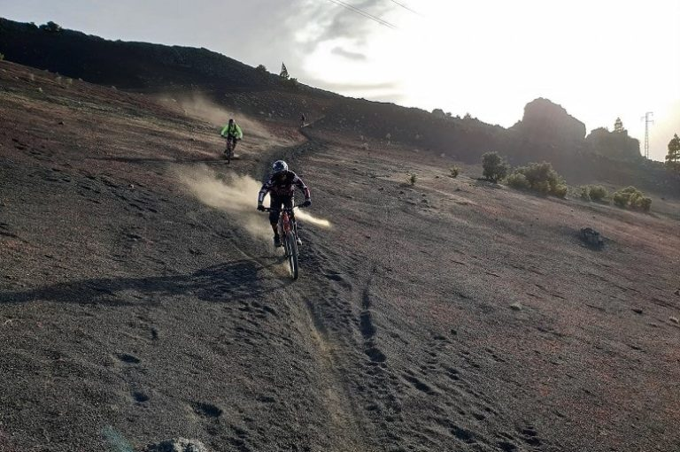 Discover La Palma on the mountain bike