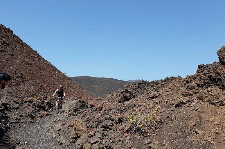 Mountain bike tour through the volcano landscape