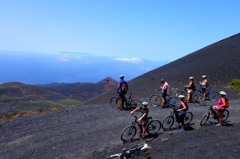 Group, Mountain Bike, Volcanoes