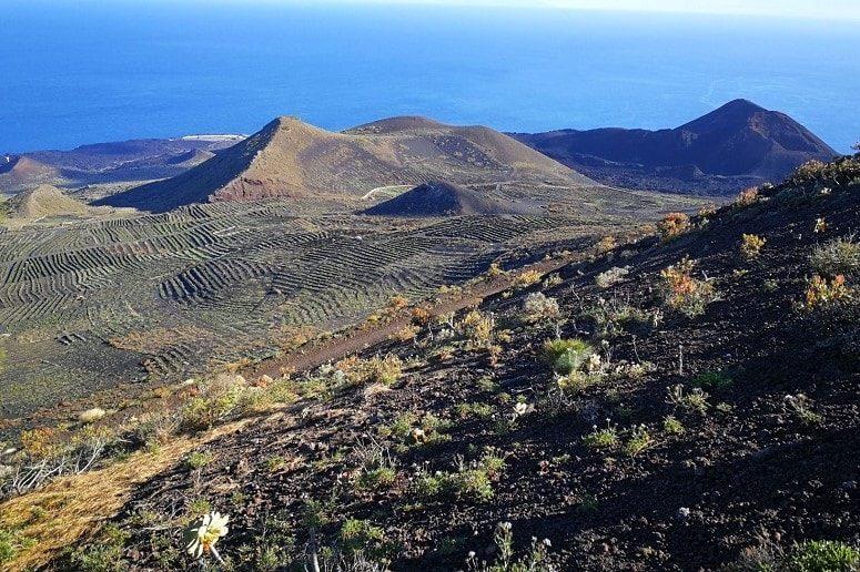 Blick zum Vulkan Teneguía, La Palma